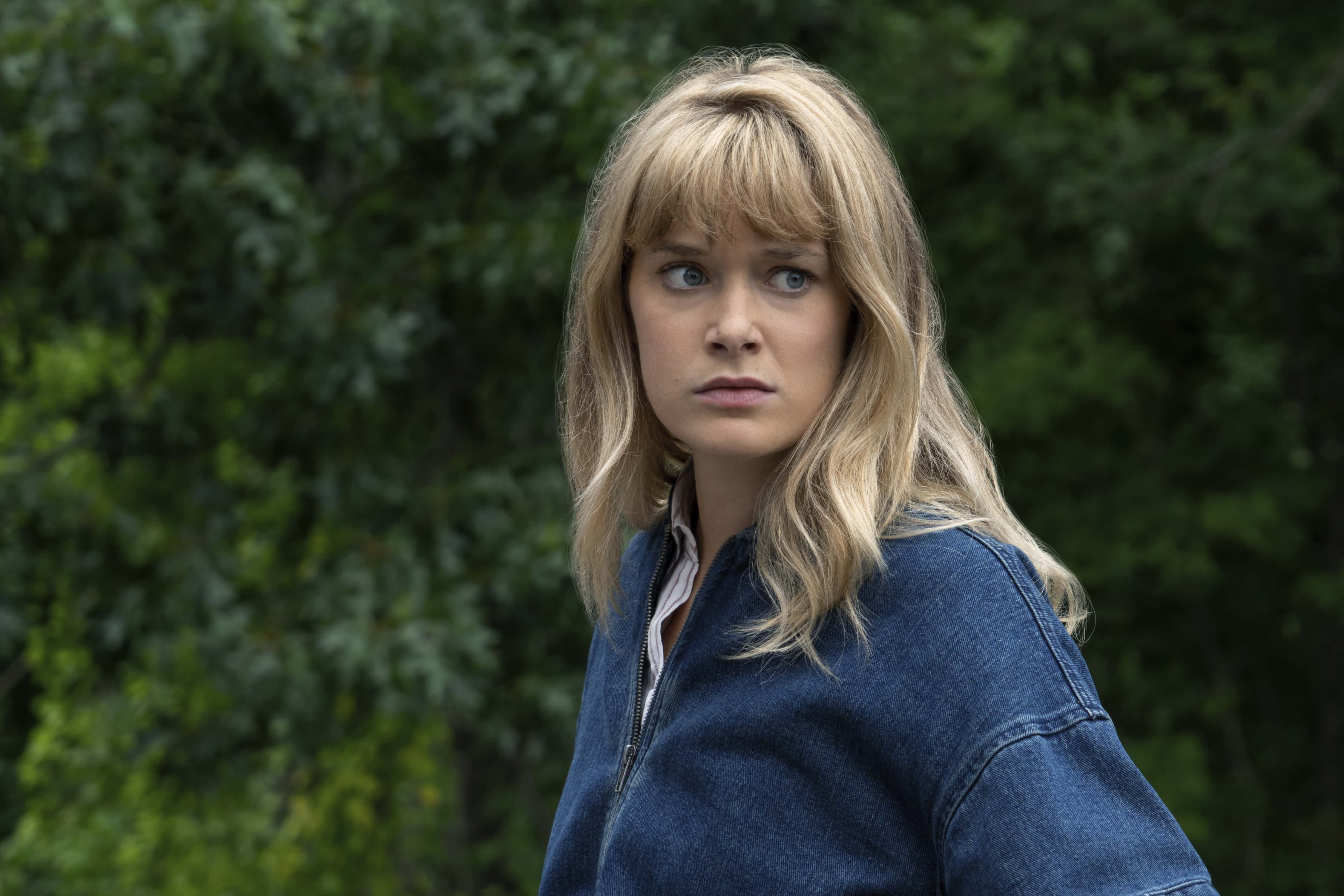 Amy Carlson Bilder the society' season 2: cassandra and allie's mother may be