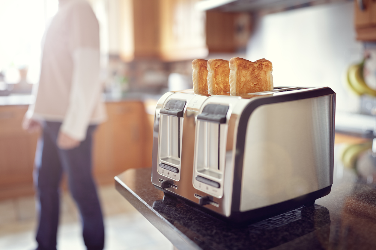 The study also indicated that toasting two slices of bread caused twice as much air pollution seen in the city, which is equivalent to three times the safety limit set by the World Health Organisation. (iStock)