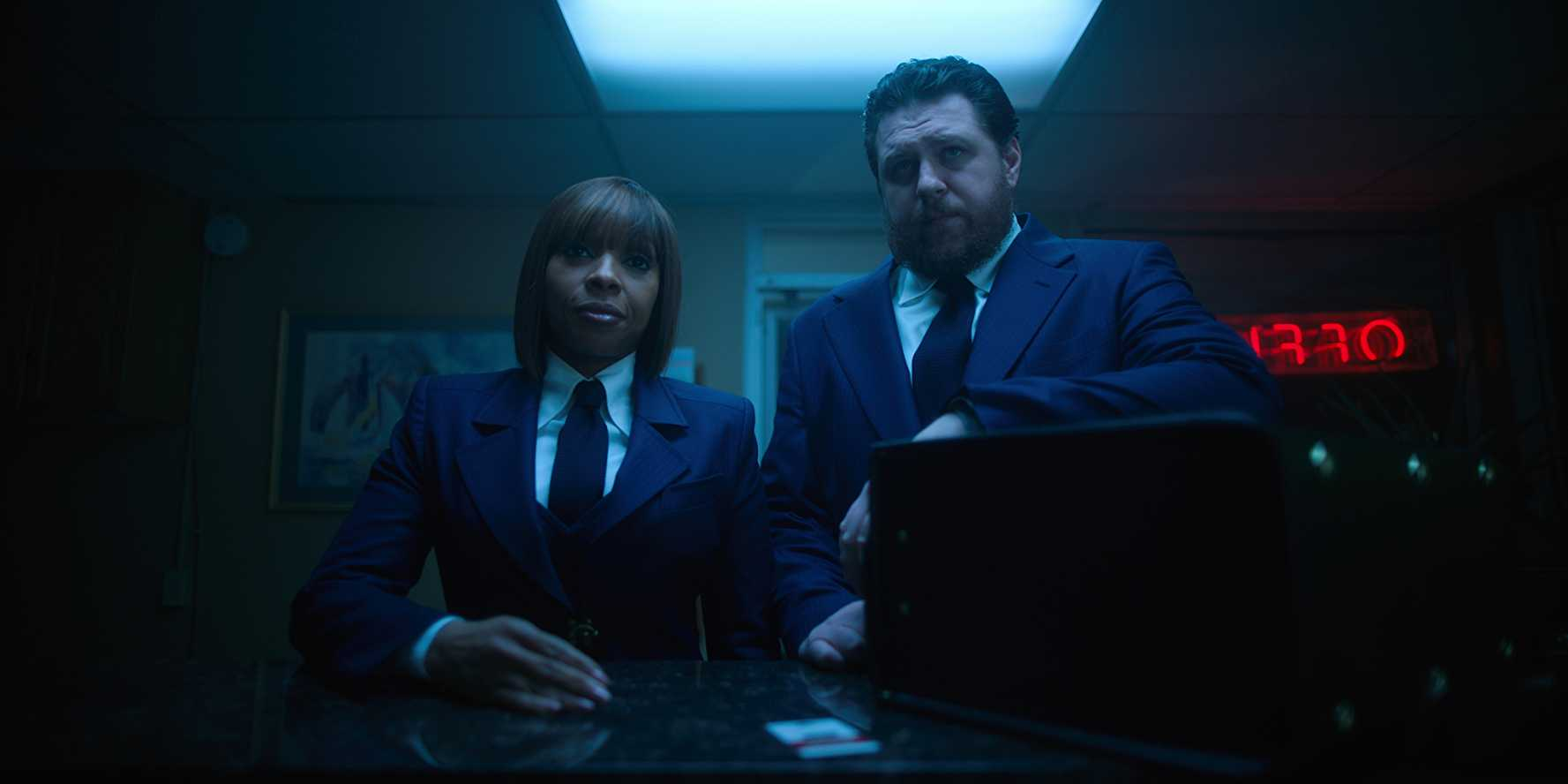 Cha-Cha and Hazel in 'The Umbrella Academy'. (Source: IMDB)