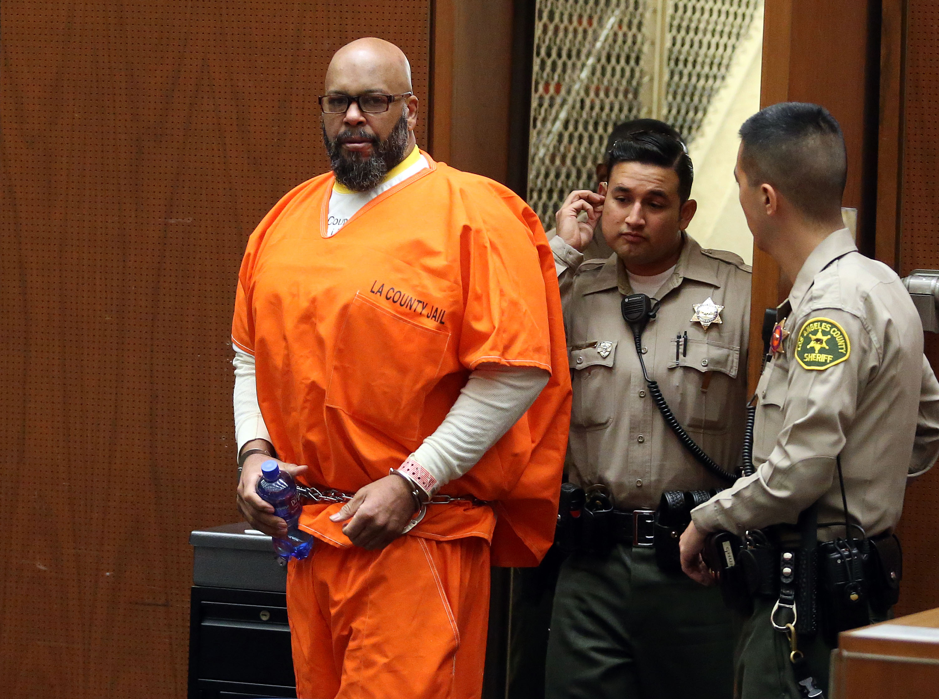 Marion 'Suge' Knight appears in Los Angeles court for a pretrial hearing at the Clara Shortridge Foltz Criminal Justice Center on January 21, 2016 in Los Angeles, California. Knight is charged with robbery and criminal threats after allegedly stealing a photographer's camera during an incident September 5, 2014 in Beverly Hills. (Photo credit: Getty Images)