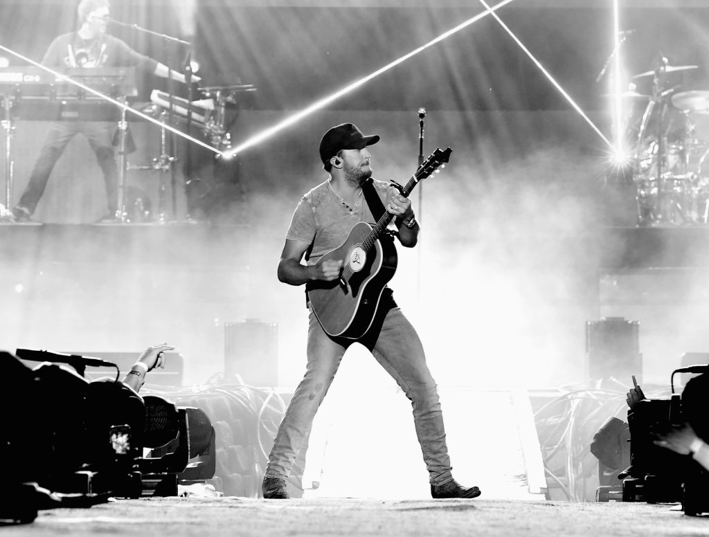 Singer/Songwriter Luke Bryan performs during Country Thunder - Day 4 on July 22, 2018, in Twin Lakes, Wisconsin. (Getty Images)