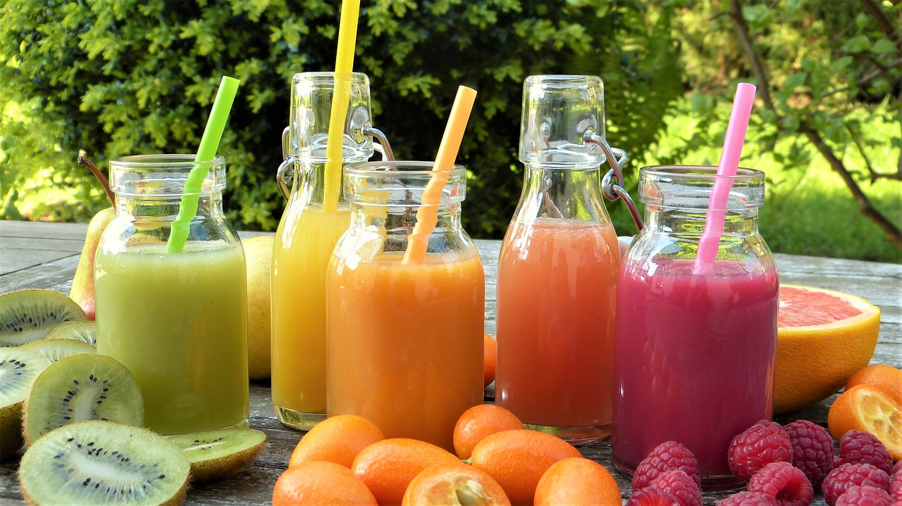 Zeng injected juice made from 20 different types of fruit directly into her veins (Source: Pixabay)