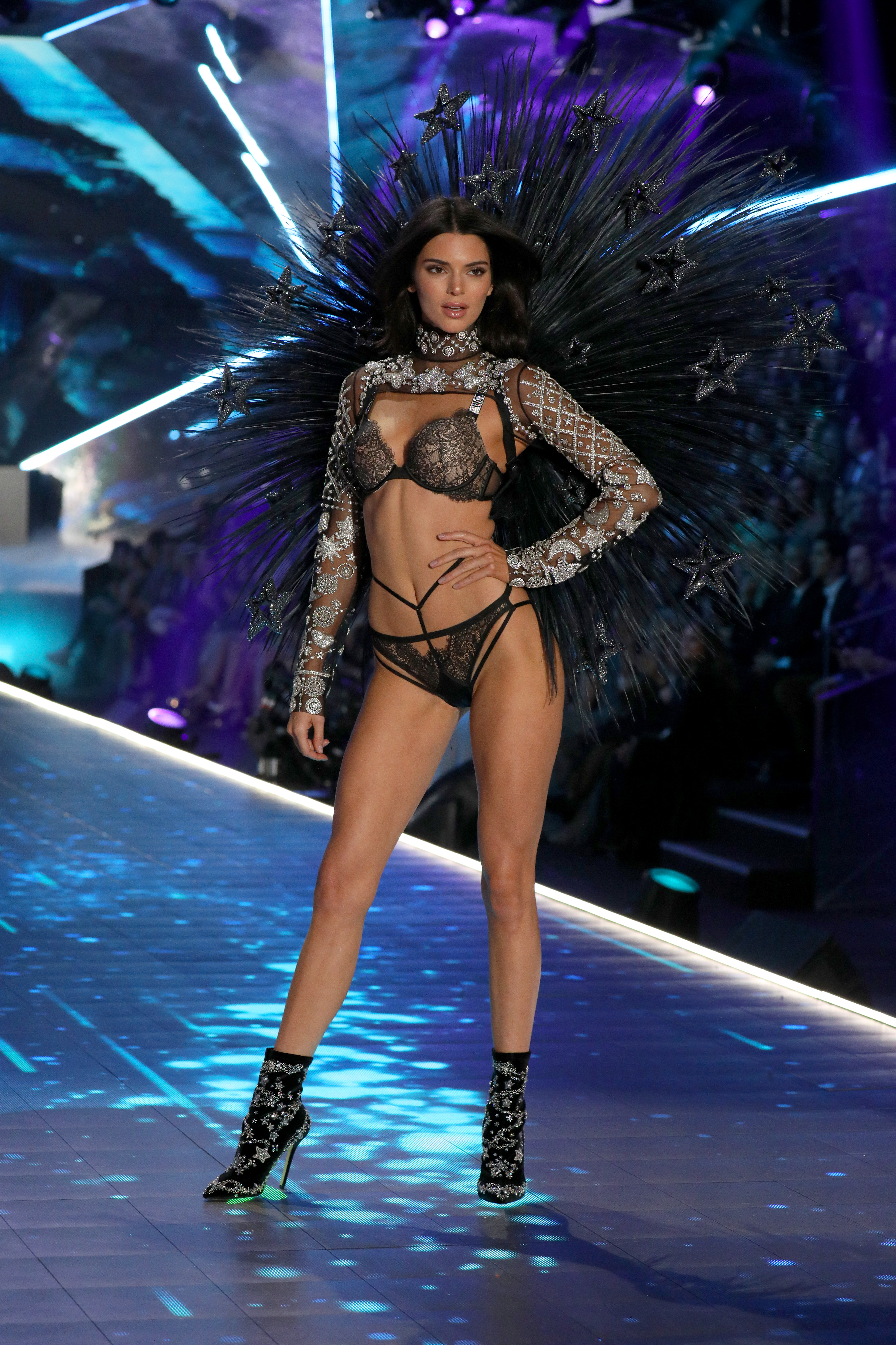 Victoria S Secret Fashion Show 2018 10 Angels You Need To Watch Out