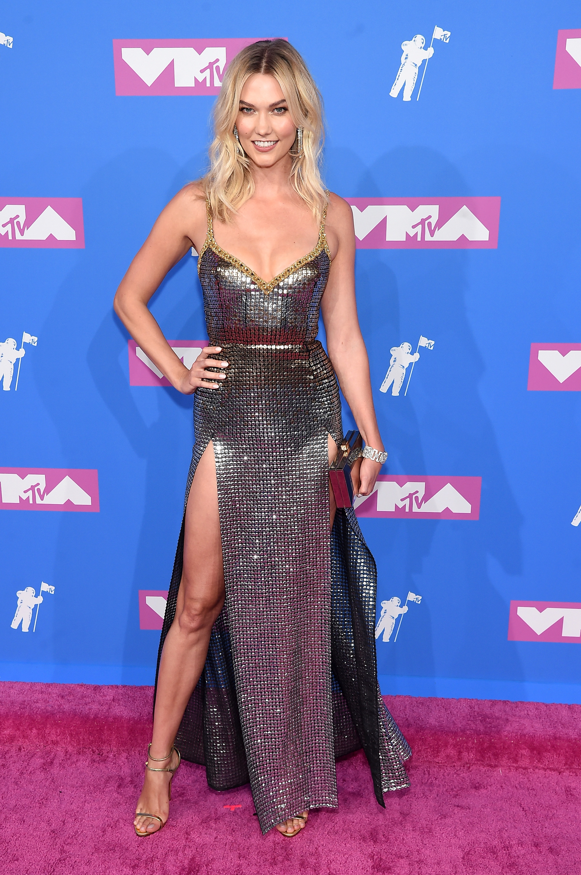 Karlie Kloss attends the 2018 MTV Video Music Awards at Radio City Music Hall on August 20, 2018 in New York City.
