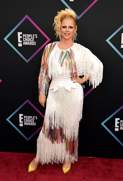 As much as we love creativity, this dress is too OTT. Adding the extravagant hair, belt, and chandelier earrings? No, thank you. (Photo by Matt Winkelmeyer/Getty Images)