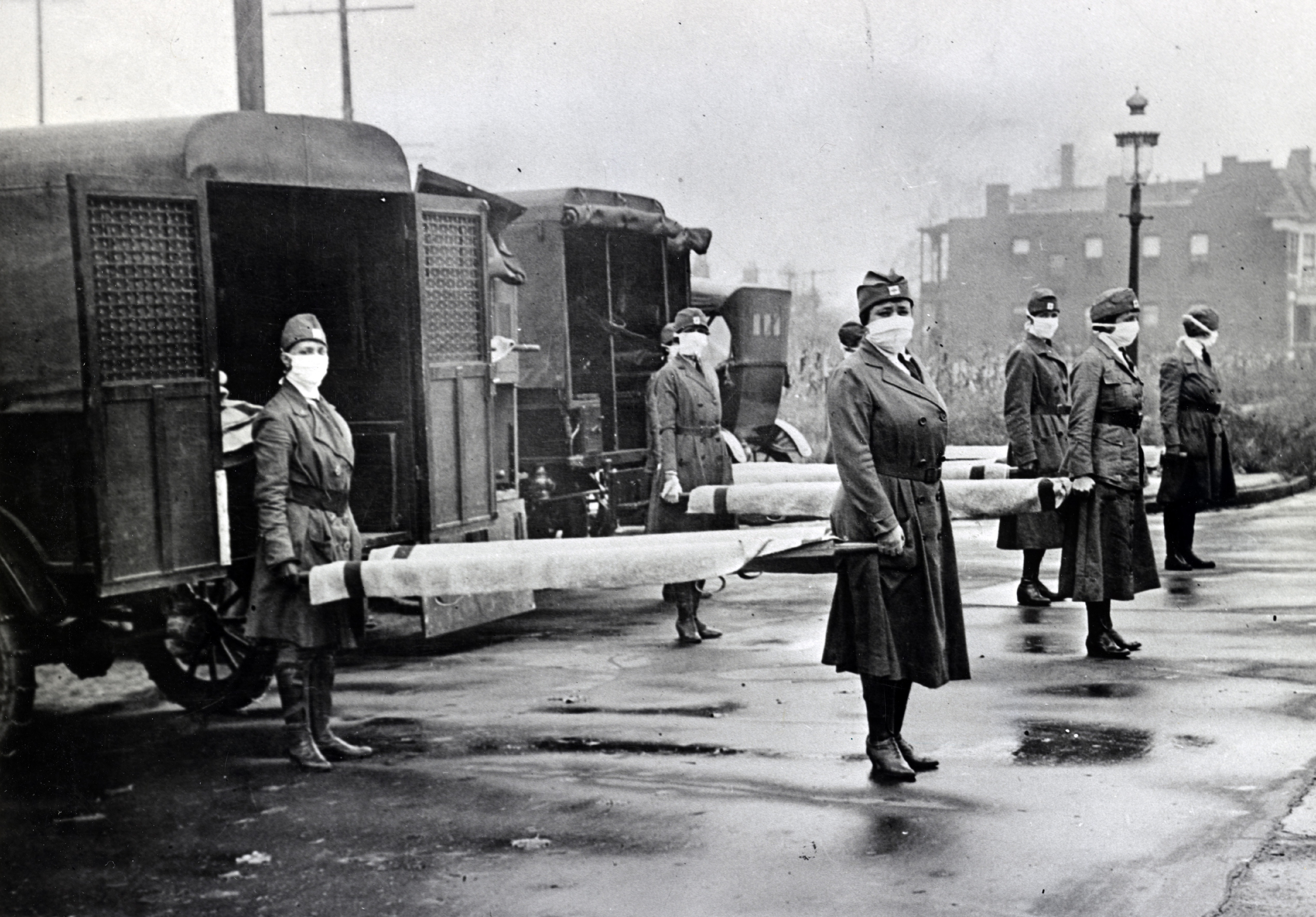 Red Cross Motor Corps on duty during the Spanish Influenza epidemic, 1918 (Getty Images)